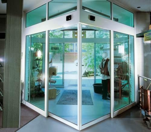 automatik schiebet ren automatische schiebet ren. Black Bedroom Furniture Sets. Home Design Ideas